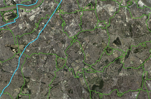 Part of the proposed 'Connect London' network in South London, in green. Note the contrast in directness with Superhighway 7, in blue.
