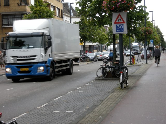 Low speed limit, low traffic levels. But separation is provided