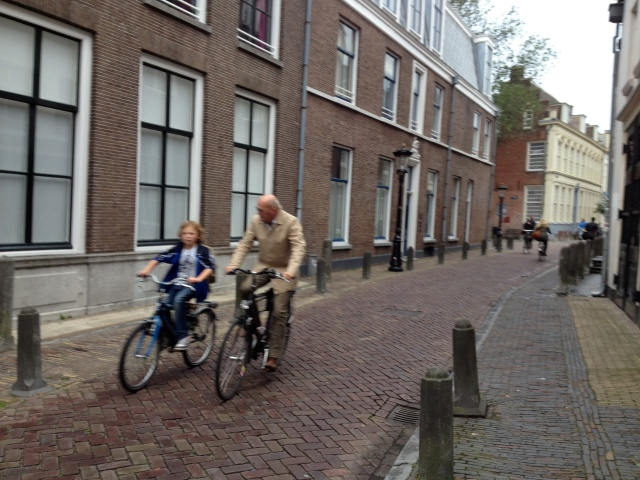 Grandad and grandson? A visual demonstration of 8 to 80 cycling