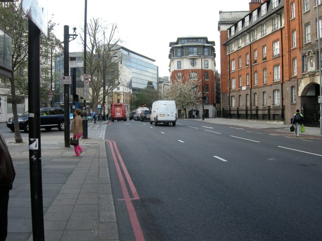 Still not a problem to accommodate cycling here, if London has genuine aspirations to become a cycling city