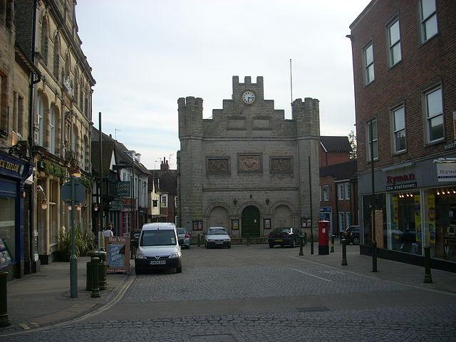 640px-Horsham_town_hall_2009