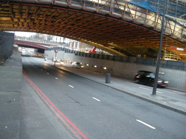 This underpass presumably has to be 'shared', rather than having cycle tracks, because of the City's 'dense street pattern'