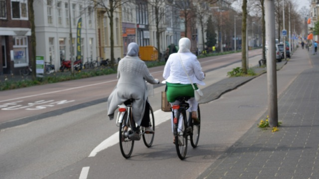 Headscarves don't seem to be a problem in Utrecht