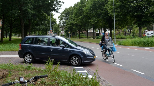 Assen's most dangerous junction. We only had to stand here for five minutes before we saw this incident.