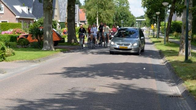 Kids cycling Drenthe