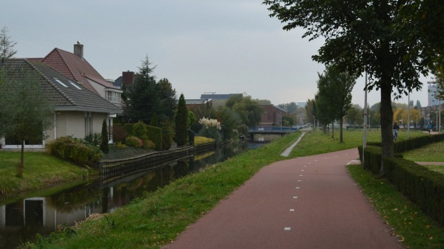 The cycle route in and out of Delft